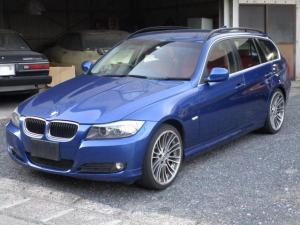BMW 3シリーズ 320iツーリング 赤革シート19インチAW