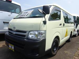 トヨタ ハイエースワゴン DX 幼児バス 大人2人幼児12人乗り オートステップ