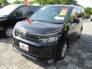 トヨタ ヴォクシー X Cパッケージ 4WD メモリーナビ バックカメラ ETC 8人乗り 3列シート 横滑り防止装置 ステアリングリモコン 両側スライド・左側電動スライドドア キーレス AUX・USB・Bluetooth接続可