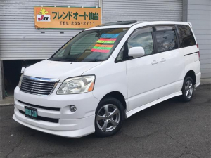 トヨタ ノア X サンルーフ スライドドア ナビ エアロ 4WD AW