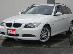 BMW 3シリーズ 320iツーリング 社外ナビバックカメラ Pスタート