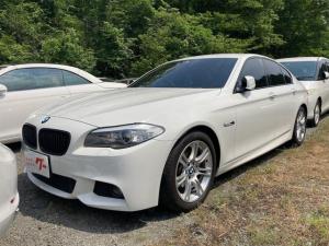 BMW 5シリーズ 528i Mスポーツパッケージ ナビ 革シート クルコン AT AW スマートキー オーディオ付 AC 修復歴無 バックカメラ 5名乗り HID PS