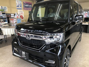 ホンダ N-BOXカスタム G・Lホンダセンシング 4WD 届出済未使用車 両側スライドドア片側電動 シートヒーター