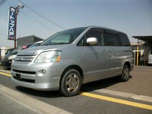 トヨタ ノア X 4WD サンルーフ付き リア両側電動スライドドア