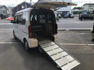 スズキ エブリイワゴン 4WD 車いす移動車 後部電動固定 リヤシート付 福祉車両