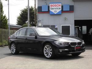 BMW 3シリーズ 330eラグジュアリー プラグインハイブリッドモデル ワンオーナー 電動ホワイトパワーシート ヘッドアップディスプレイ アダクティブクルーズコントロール 車線逸脱警告 インテリジェントセーフティ 車線変更警告