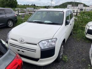 トヨタ サクシード  4WD ミュージックプレイヤー接続可 CVT ESC