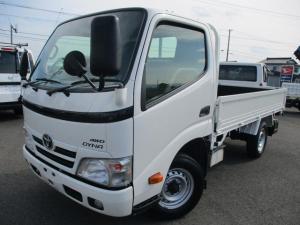 トヨタ ダイナトラック  4WD/1.35t/リアシングルタイヤ/平ボディ/5速マニュアル/内外装クリーニング済/保証付き販売車両