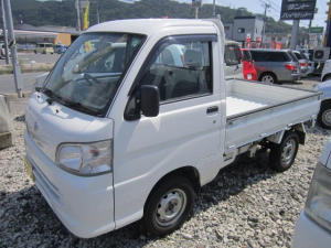ダイハツ ハイゼットトラック エアコン・パワステ スペシャル 5速マニュアル車 4WD