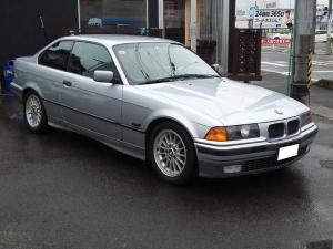 BMW 3シリーズ 318isクーペ 左ハンドル 5MT