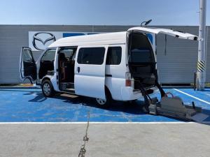 日産 キャラバン チェアキャブM仕様 4WD リモコン付電動スイングアームリフト