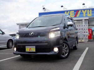 トヨタ ヴォクシー ZS 煌II 東京仕入 1オーナー 4WD HDDナビ DVD再生 地デジ フリップダウンモニター 両側パワースライドドア キーレス プッシュスターター HID ETC パドルシフト 禁煙車 オートA/C