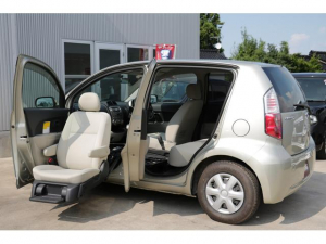 トヨタ パッソ X ウェルキャブ 助手席リフトアップシート車 Bタイプ 電動昇降シート ワイヤレスリモコン 電動シートスライド&電動リクライニングスイッチ付き  車いす収納装置あり キーレス ABS エアバッグ CD