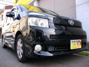 トヨタ ヴォクシー ZS Tベルチェーン式 地デジ内蔵ナビ Bluetooth搭載 リアモニター付き バックカメラ 左側電動パワースライドドア車 純正HIDライト スマートキー車 GOO鑑定車