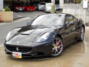フェラーリ カリフォルニア F1 DCT 本革 電動シート 20インチアルミ