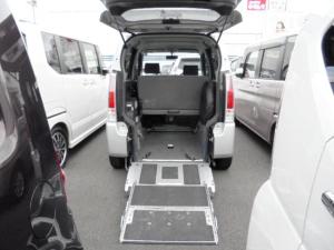 スズキ ワゴンR 車イス移動車リヤシート付 電動固定式