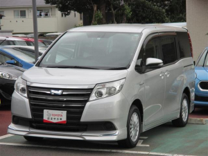 トヨタ ノア ハイブリッドX 電動スライドドア エアロ LEDヘッドランプ スマートキー 3列シート