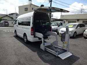 トヨタ ハイエースバン ウエルキャブ車いす移動車Cタイプ 全自動スライドリフト