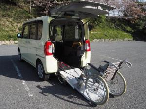 ダイハツ タント L Goo1年間無料保証 スローパー リアシート付き4人乗り 電動ウインチ 福祉車両