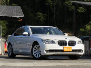 BMW 7シリーズ 740i ベージュレザー・サンルーフ・スマートキー