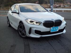 BMW 1シリーズ M135i xDrive iDriveナビゲーション デビューパッケージ LEDライト オートマチックテールゲートオペレーション 前後ドラレコ メンテナンスパック付