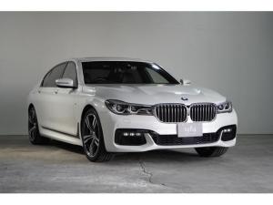 BMW 7シリーズ 750Li Mスポーツ 禁煙 取説・保証書・記録簿・スペアキー MスポーツP 本革 マッサージ機能付 Rエンターテイメント バックカメラ コーナーセンサー TV Bluetooth ヘッドアップディスプレイ