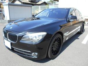 BMW 7シリーズ 750i TVキット ミラーETC ハルトゲ20アルミ ターボ フルセグナビTV エアシート サンルーフ 黒革シート イージークローザードア パワートランク バックカメラ キーレス スペア有り