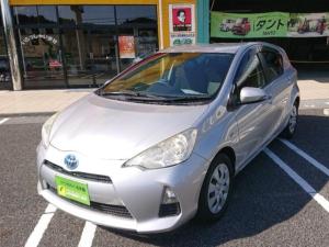 トヨタ アクア S カーナビ・バックカメラ・Bluetoothオーディオ・ハンズフリー・ETC・オートエアコン・ステアリングリモコン・ハイブリット