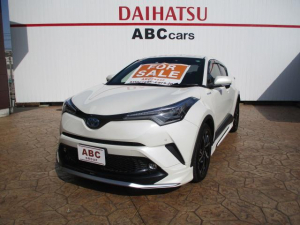 トヨタ C-HR G 本革シート