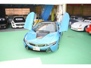 BMW i8 ベースグレード 右H ワンオーナー 追突防止 iストップ