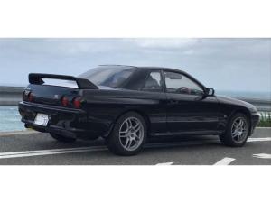 日産 スカイライン GT-R 黒