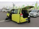 トヨタ/スペイド F 助手席リフトアップシート車 電動式車いす収納装置付き