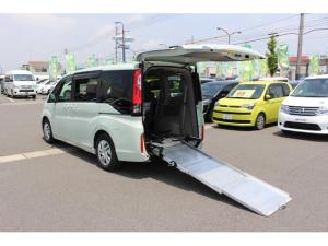 ホンダ ステップワゴン G 3列目乗車タイプ スマートキー&プッシュスタート、アイドリングストップ、左右電動スライドドア、テレビ(フルセグ)、バックカメラ、ダブルオートエアコン、LEDライト、車いす用ウィンチ