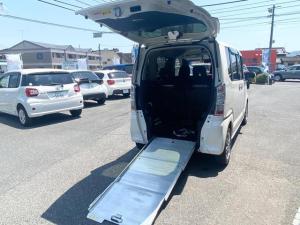 ホンダ N-BOX+ G・Lパッケージ 福祉車両 車いす仕様 アルミスロープ リヤシート付 4人乗 電動ウインチ ウインチリモコン フルセグTV ナビ bluetooth バックカメラ ETC パワースライドドア  スマートキー 保証付き