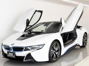 BMW i8 ベースグレード 本革 HALO HUD H/K OP20AW