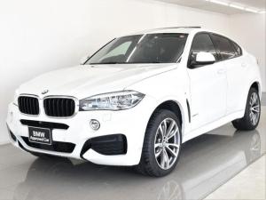 BMW X6 xDrive 35i Mスポーツ パノラマガラスサンルーフ 黒革 セレクトパッケージ ヘッドアップディスプレイ ACC トップビュー アクティブクルーズコントロール ドライビングアシスト レーンチェンジワーニング 純正20AW