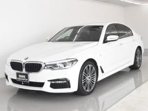 BMW 5シリーズ 523i Mスポーツ イノベーションパッケージ BMWディスプレイキー ジェスチャーコントロール ヘッドアップディスプレイ アクティブクルーズコントロール トップビュー パキングアシスト ワイヤレスチャージ