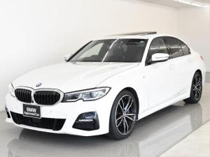 BMW 3シリーズ 330i Mスポーツ サンルーフ 黒革 BMWレーザーライト オートトランク トップビュー リバーズアシスト シートヒーター ハイビームアシスタント 純正19インチアロイホイール