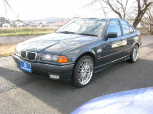 BMW 3シリーズ 318i アニバーサリー サンルーフ レザー ディーラー車