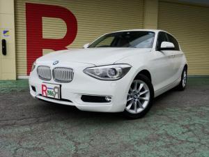 BMW 1シリーズ 116i スタイル 純正8.8型HDDナビ DVD CD ETC スマートキー EGプッシュスタート アイスト 革巻きステアリング ステアリングスイッチ 専用ハーフレザーシート シートヒーター 16AW バイキセノン
