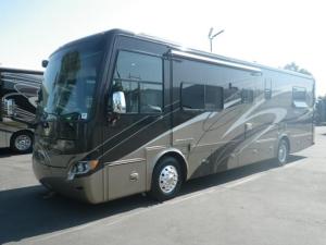 アメリカその他  Tiffin Allegro Breeze ティフィン アレグロ ブリーズ32BR 2012モデル 6速アリソンAT 4輪エアサス オナンクアッド6000 6.5マックスホース