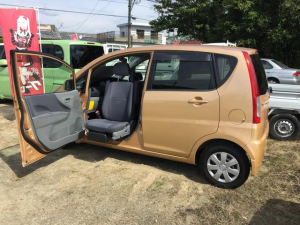 ダイハツ ムーヴ  4WD 助手席回転スライドシート 車検整備付き リモコンキー