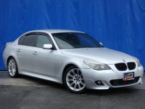 BMW 5シリーズ 525i Mスポーツパッケージ ディーラー車 右ハンドル ハーフレザーパワーシート HIDライト ETC ナビ DVD バイザー スペアキー
