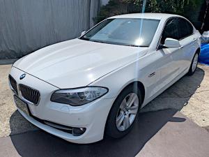 BMW 5シリーズ 528i 純正ナビ/ETC/バックカメラ/本革シート/パワーシート/シートヒーター/アクティブクルーズコントロール/パークセンサー/内装外装徹底仕上げ済み☆ 車検付きすぐ乗れます!!