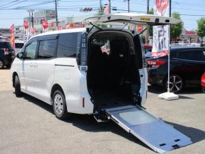 トヨタ ヴォクシー X スロープ 4WD 車いす2基 福祉車両