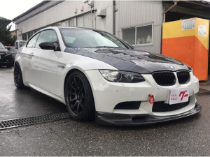 BMW M3 M3クーペ アクラポビッチマフラーXパイプ ブレンボキャリパー ハリスカーボンボンネット カーボントランク カーボンFリップ オーリンズDFV車高調SPL ATS LSD 後期テール