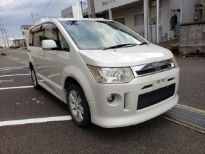 三菱 デリカD:5 ローデスト G パワーパッケージ 4WD ナビ TV