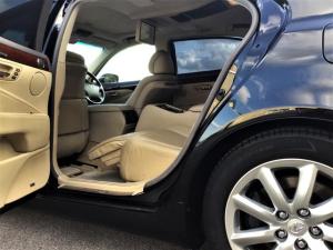 レクサス LS LS600hL後席セパレートシートパッケージ 最上級グレード4人乗りセパレート 法人管理車両 車検長期令和4年6月迄 ディーラー下取り車 ガレージ保管 フルOP満載