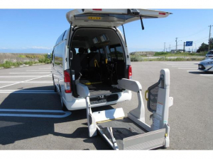 トヨタ ハイエースバン  4WD Bタイプ 天窓あり 車椅子2台 バックカメラ キーレス