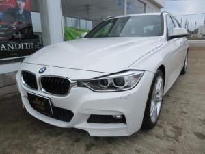 BMW 3シリーズ 320iツーリング Mスポーツ 衝突軽減ブレーキ 純正マルチナビ Bカメラ アイドリングストップ ディスチャージ オートライト 純正18インチアルミ パドルシフト 電動シート